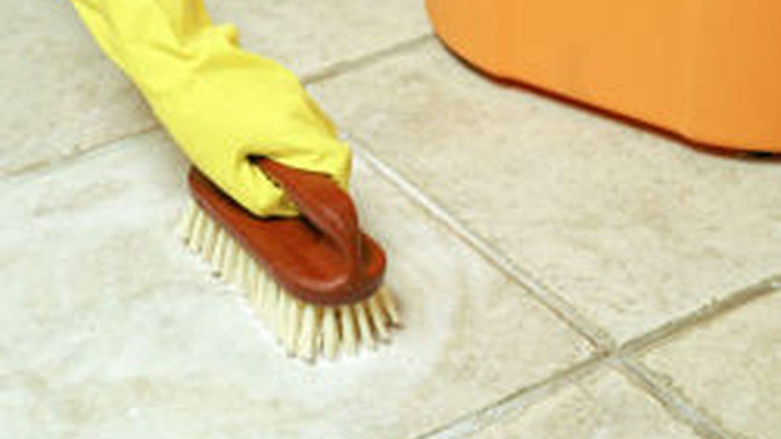 A quelle fréquence faut-il laver ses sols et plafonds ?