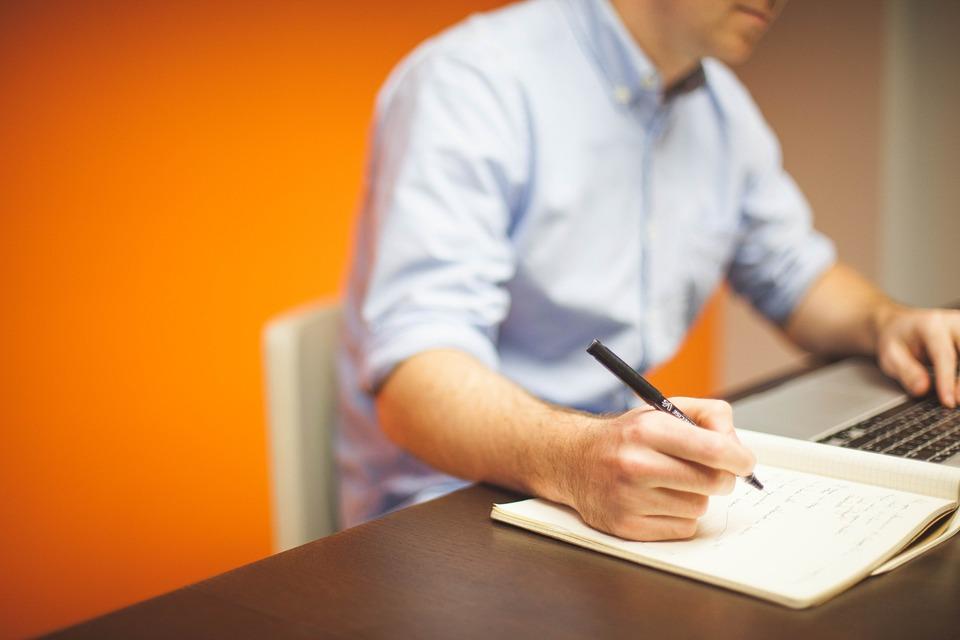 Comment réussir la traduction de documents techniques ?
